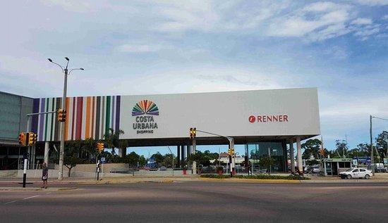 Costa Urbana Shopping prepara la vuelta a clases con promociones y descuentos