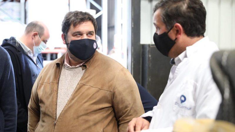 Proquimur recibió visita del subsecretario del MGAP en la planta de herbicidas en construcción