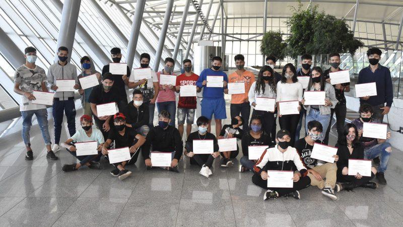Jóvenes del programa Cimientos celebraron su egreso del ciclo básico de Secundaria